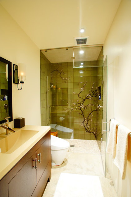 Contemporary Bathroom by Cairn Construction Inc.