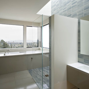 Inspiration for a contemporary bathroom remodel in San Francisco