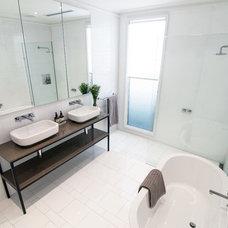 Contemporary Bathroom by de.arch
