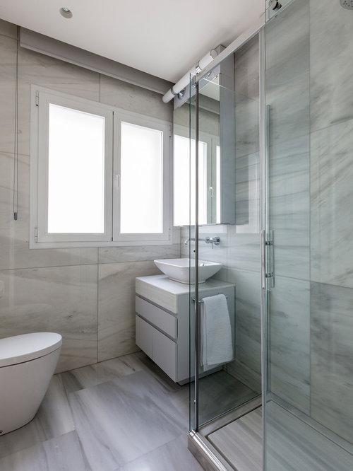 Fotos de cuartos de ba o dise os de cuartos de ba o for Banos con azulejos grises