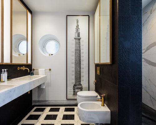Vasca Da Bagno Doppia Dimensioni : Stanza da bagno con pavimento in marmo e pistrelle in bianco e