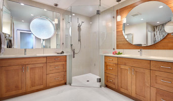 Contemporary Bathroom Glass Project (Sacramento, CA)
