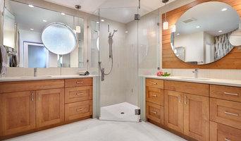 Contemporary Bathroom Glass Project (Sacramento, CA)