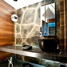 Contemporary Bathroom by Grupo MM