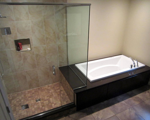 Example Of A Trendy Bathroom Design In Toronto