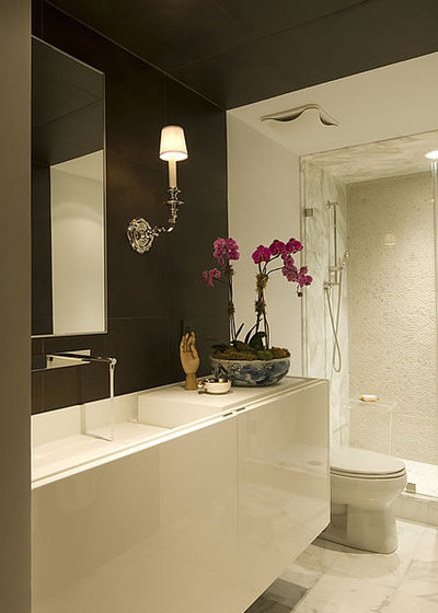 Color guide how to work with brown for Houzz bathroom design guide