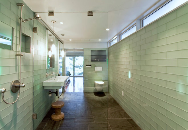 Contemporary Bathroom by Jonathan Schloss / Architect