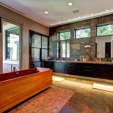 Contemporary Bathroom by Phillip Jennings Custom Homes