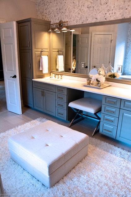 Contemporary Bathroom by Rachel Greathouse