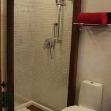 Modern Bathroom by gordon architecture, inc.