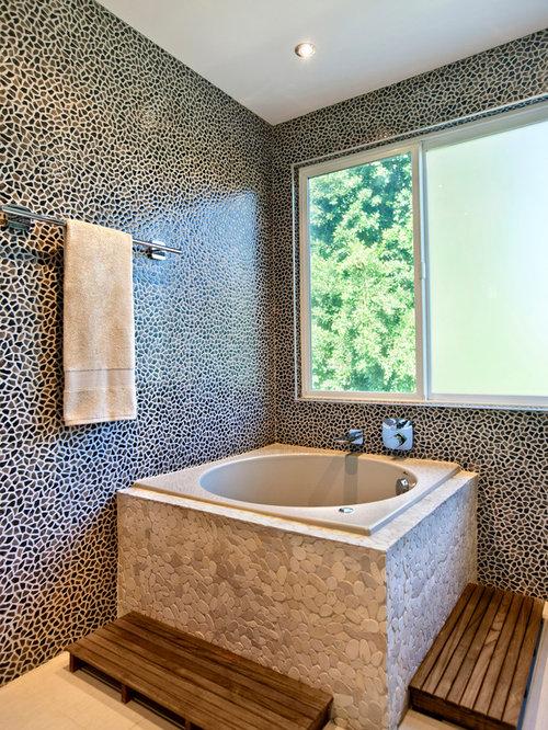 Example Of A Trendy Porcelain Tile Bathroom Design In Orange County