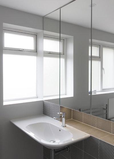 Contemporary Bathroom by Studio Wolter Navarro