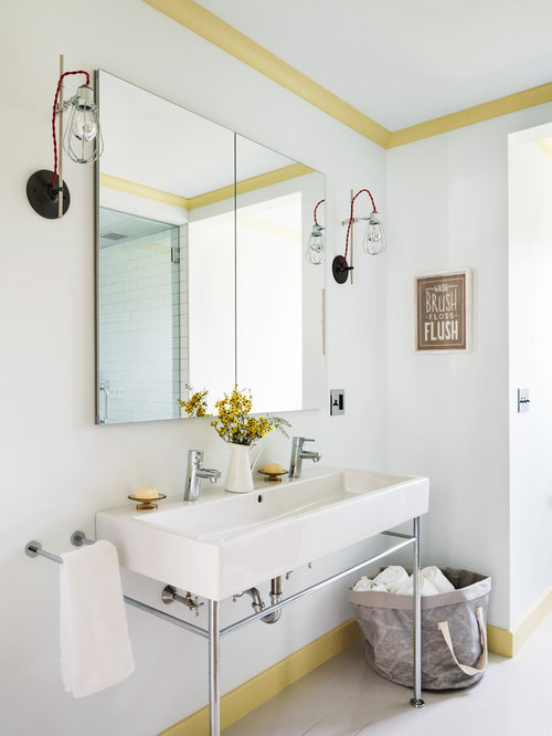 Inspiration For A Transitional Kidsu0027 Bathroom Remodel In New York With  White Walls, A