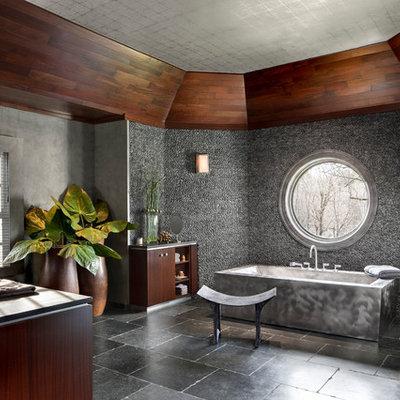Freestanding bathtub - contemporary freestanding bathtub idea in New York