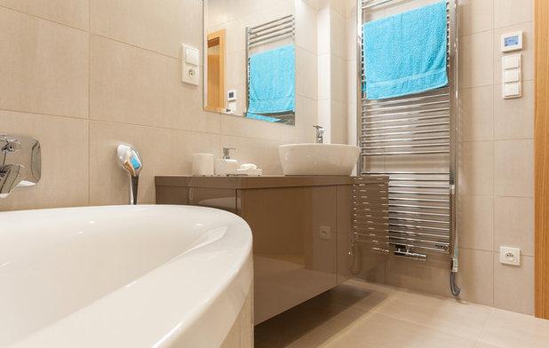 コンテンポラリー 浴室 by HANÁK NÁBYTEK