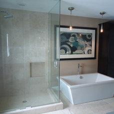 Contemporary Bathroom by SKD STUDIOS