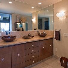 Contemporary Bathroom by Peg Berens Interior Design LLC