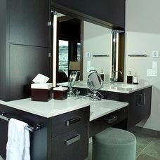 Contemporary Bathroom by GARY FINLEY, ASID