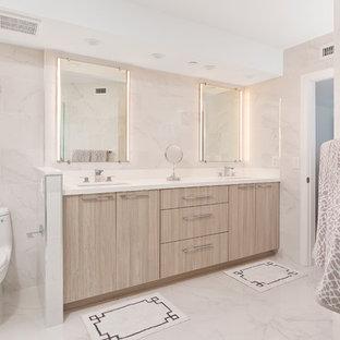 Bathroom - contemporary bathroom idea in Miami