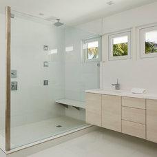Contemporary Bathroom by Architect Bruce Celenski, Inc.