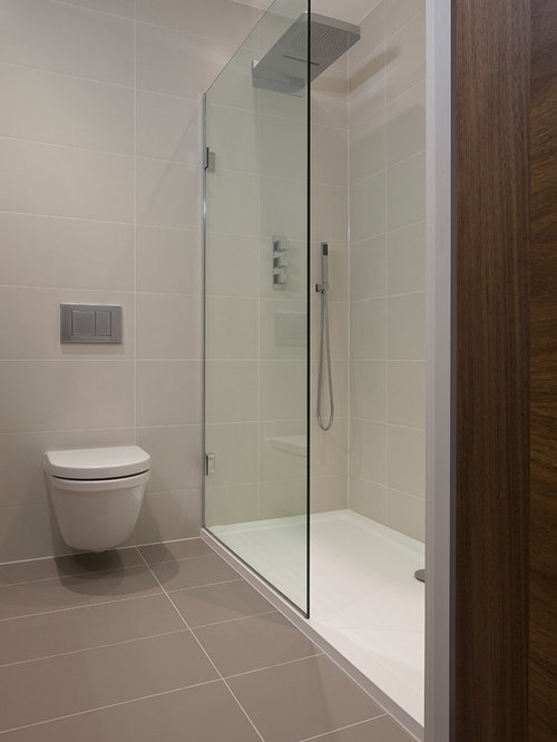 Modern shower design home design ideas pictures remodel for Contemporary bathroom tile designs