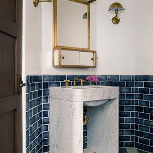 Esempio di una stanza da bagno boho chic con pareti bianche