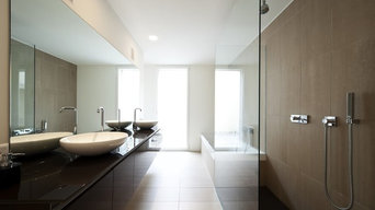 Contemporary Wet Rooms With Glass Panels