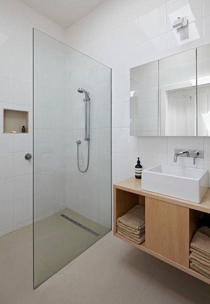 Contemporary Bathroom Convertible Courtyards House