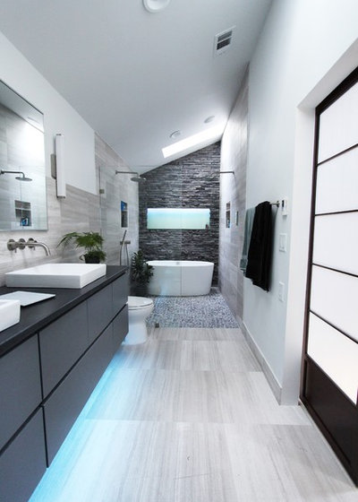 contemporain salle de bain by change your bathroom inc - Salle De Bain A Petit Jacuzzi