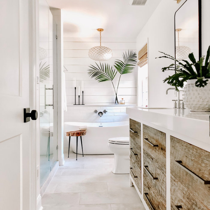 Inspiration for a contemporary bathroom remodel in Charlotte