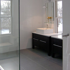 Farmhouse Bathroom by Becker Architects Limited
