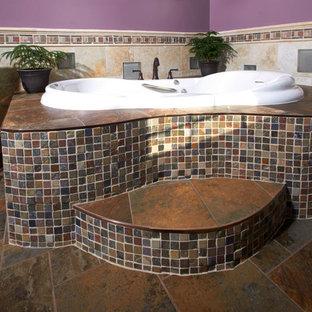 Corner tub with step
