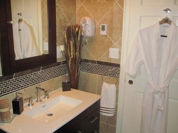 Contemporary Bathroom Cornine Contracting LLC