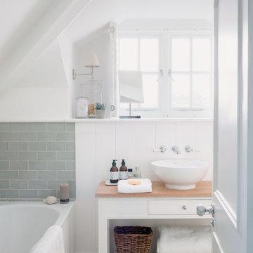 Cornish Beach House Master Bathroom