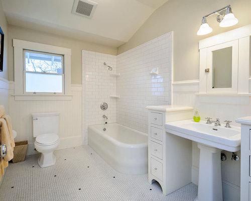 rustikale badezimmer mit eckbadewanne ideen design bilder houzz. Black Bedroom Furniture Sets. Home Design Ideas