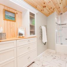 Traditional Bathroom by Sandi Lanigan Interiors