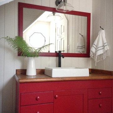 Cottage Boathouse Bathroom