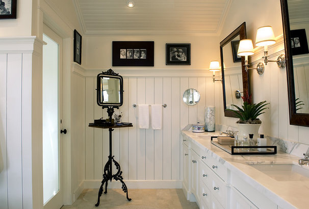 Eclectic Bathroom by Tommy Chambers Interiors, Inc.