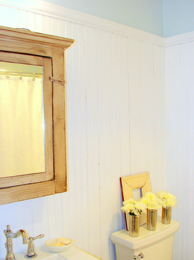 Beach Style Bathroom Cottage on Rosewood Hall Bathroom