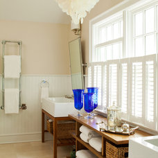 Traditional Bathroom by amanda nisbet