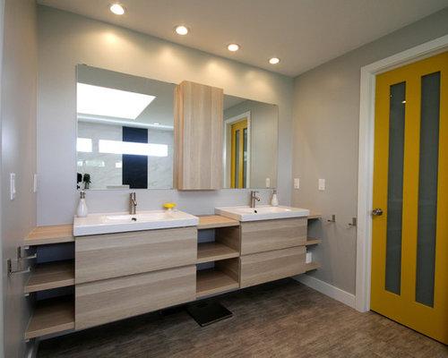 badezimmer mit linoleum und steinplatten ideen design beispiele. Black Bedroom Furniture Sets. Home Design Ideas