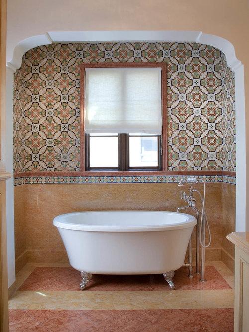 Mediterrane badezimmer mit steinplatten design ideen beispiele f r die badgestaltung - Mediterrane badezimmer fliesen ...