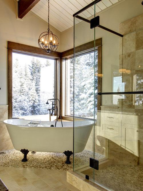 badezimmer mit kiesel bodenfliesen und beigefarbenen. Black Bedroom Furniture Sets. Home Design Ideas