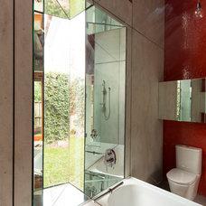 Industrial Bathroom by carterwilliamson architects
