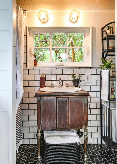 Country Bathroom by Parlour & Palm