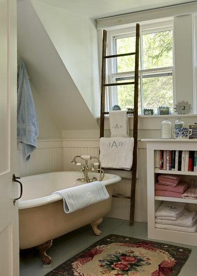 Klassisch Badezimmer by Smith & Vansant Architects PC
