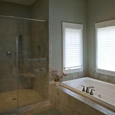 Craftsman Bathroom by Grainda Builders, Inc.
