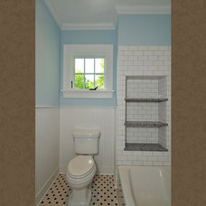 Craftsman Bathroom by Innovative Construction Inc.