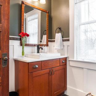 Esempio di una piccola stanza da bagno con doccia stile americano con ante in stile shaker, ante in legno scuro, piastrelle bianche, piastrelle diamantate, pareti verdi, lavabo a bacinella, top in superficie solida, porta doccia a battente e top bianco