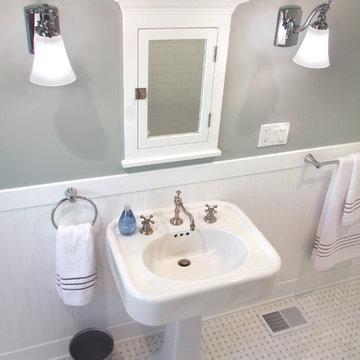 Craftsman Guest Bath